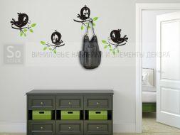 Маленькие птички на ветках